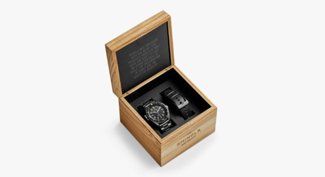 Picture of the cherry wood Shinola watch box
