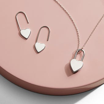 Heart-shaped 'lock' necklace